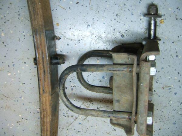 72_datsun_510_rear_axle_mount_5_.JPG