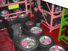 Used wheel/tire shopping