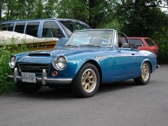 spring_roadster_right_front_06