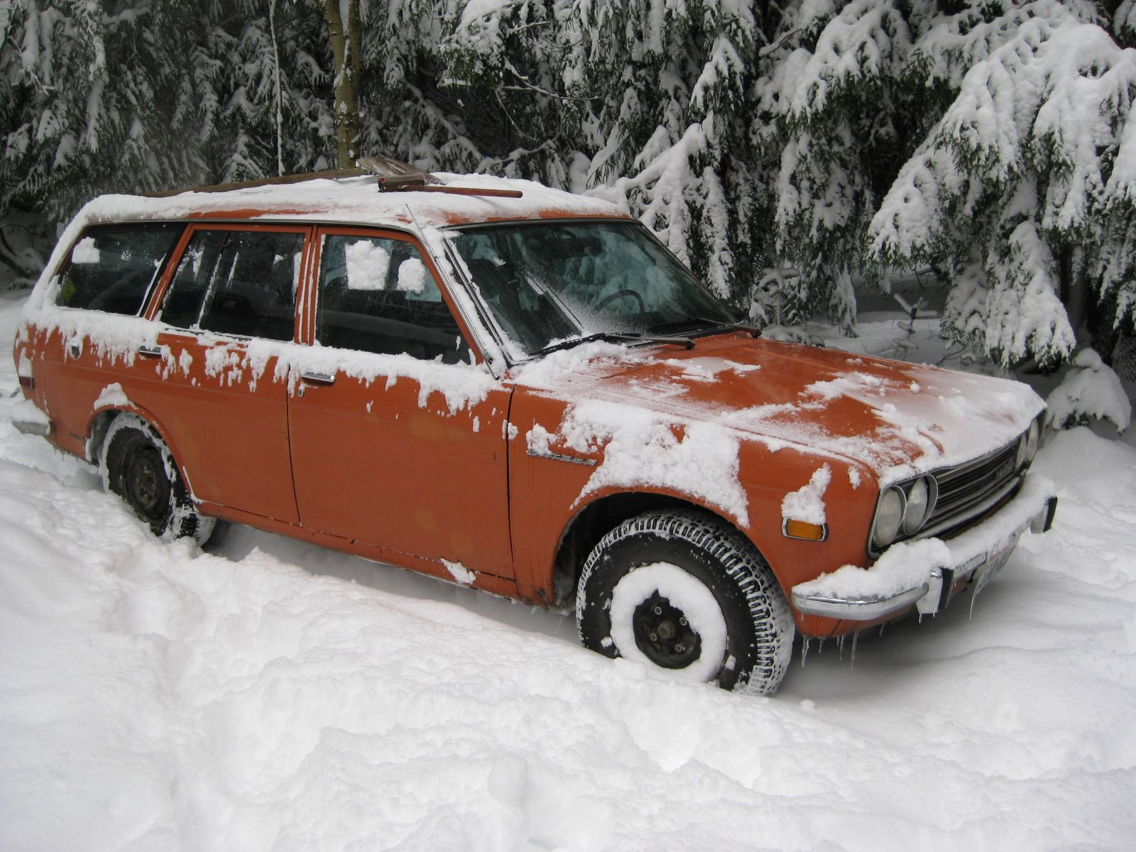 "The daily driver in 12"" snow in recent winter Seattle area storm"