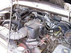 Engine_compartment_2