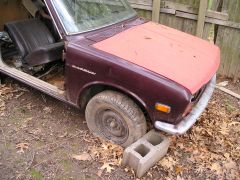 Maroon_2_Door_Parts_Car_008