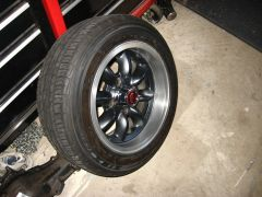 Wheel with bare aluminum lip