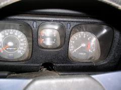 1971 Datsun 510 barn find, 6 - gauges