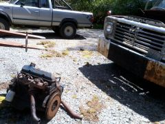 Nissan truck before shackles....Sqatting to pee!