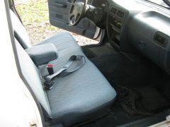 1995_Nissan_Truck_015