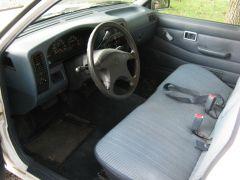 1995_Nissan_Truck_011
