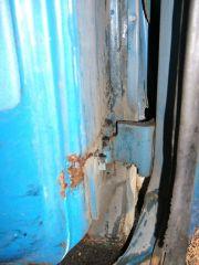 sub_left_lower_door_hinge_rust
