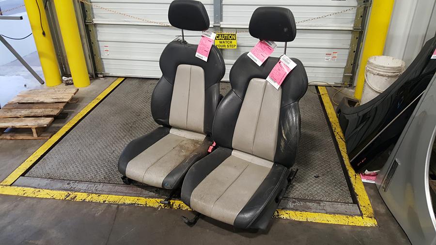SLK230 Seats?