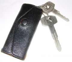 OEM pocket key holder