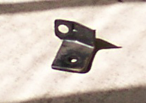 Choke cable bracket