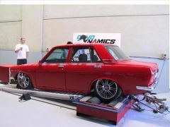 RED 4 DOOR ON DYNO