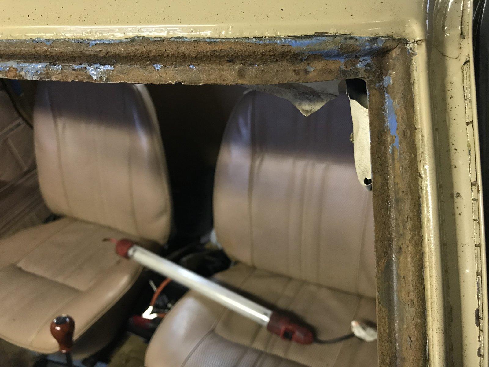 12282017 bruiser windshield and dash (4).JPG