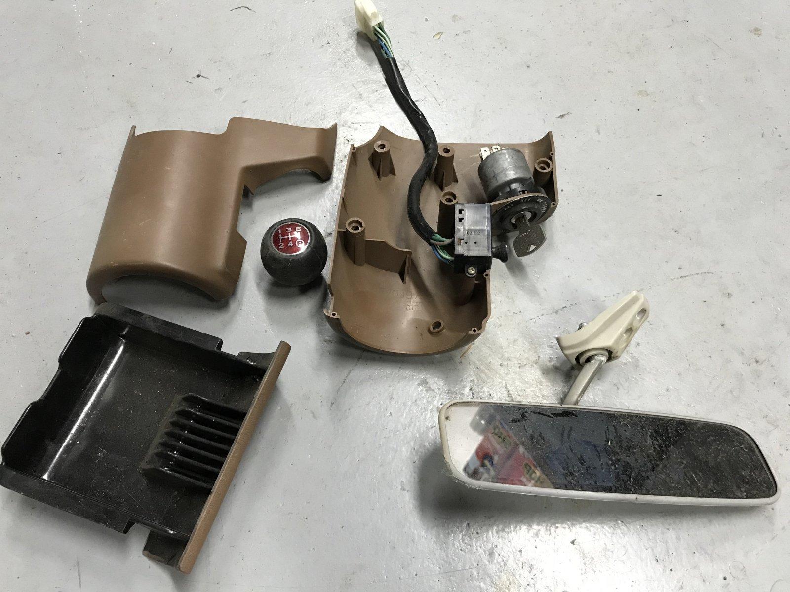 12282017 bruiser windshield and dash (18).JPG