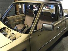 12282017 bruiser windshield and dash (19).JPG